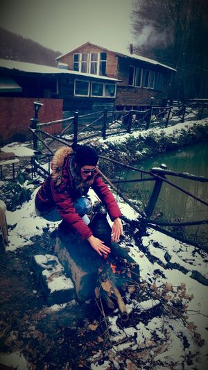 Sakligol Saklıgöl That's Me Its Cold Outside Winter Wonderland Firewood Wintertime The Weather Is Bad Taking Photos I'm Cold!!T^T üşüyorum Üşüyorumm 😯 Soğuk Hava
