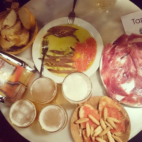 Muchas cañas, pata negra e anchoas (por ahora claro) ... Madrid Comida Bebida Cerveza Cerveja Beer Espanha España