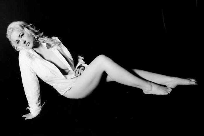 Nudeblackandwhite Black & White Studio Photography Model Singlelight