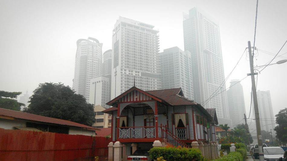 Untold Stories Pollution In My World Air Pollution Hazy  Kuala Lumpur Malaysia  This is smog. Not haze. With Air Pollution Index passed 200, it is the worst air pollution ever. I Love My City