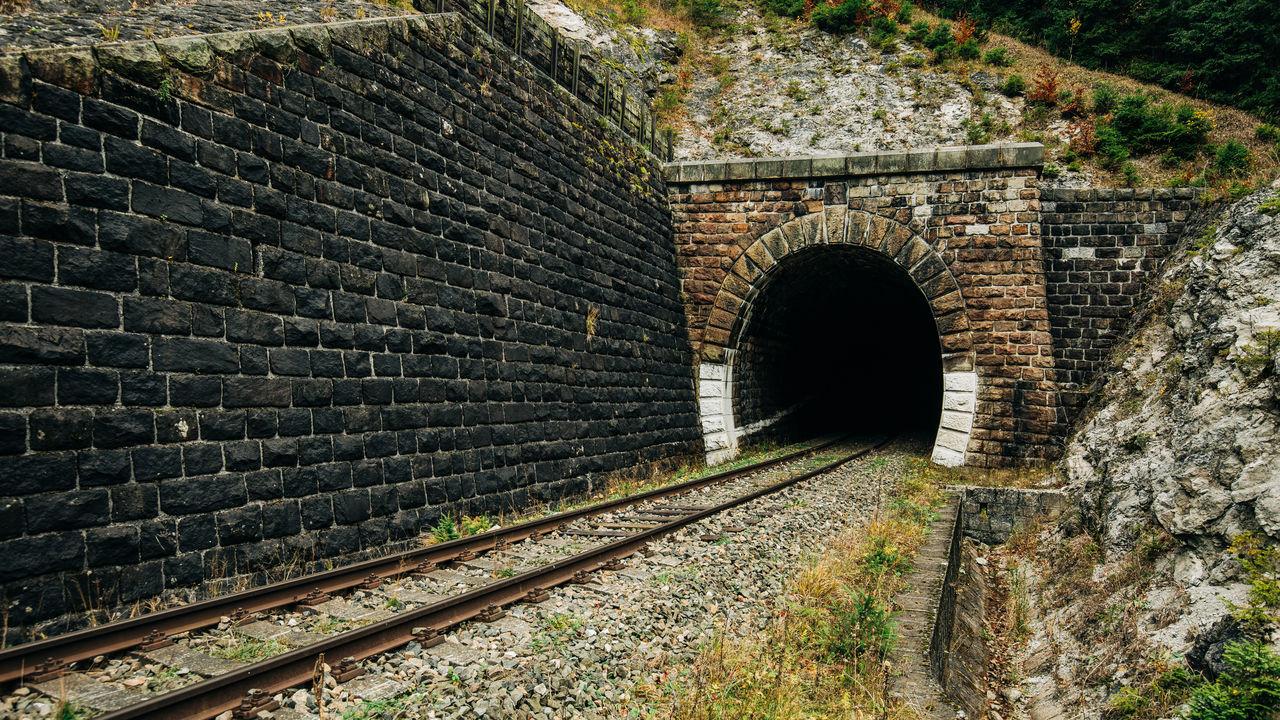 RAILROAD TRACK IN TUNNEL