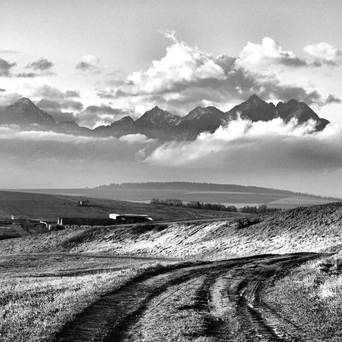 Cloudy mountains Pureslovakia Thisisslovakia Explore_slovakia Insta_svk Bnw_planet Bnw_landscape Bnw_captures Bnw MonochromePhotography Landscape_captures Sky Clouds Blackandwhitephotography Lory_bw