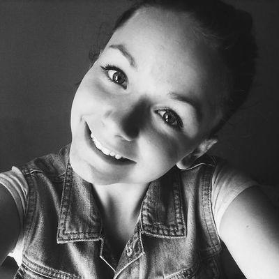 ? Hello World Selfie Portrait Beauty Model