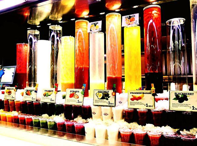 Hello World Enjoying Life Fruitshake Market Traveling