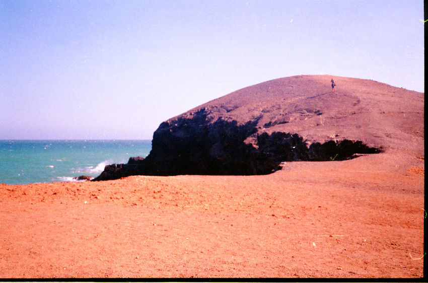 Hiking through the unreal scenery in Guajira 35mm Camera 35mm Film 35mmfilmphotography Desert Guajira Guajira, Colombia Sublime Beach Clear Sky Desert And Sea Desert Beauty Desert Landscape Filmphotography Nature Sea Seascape Sky Staybrokeshootfilm Tranquil Scene Tranquility Water