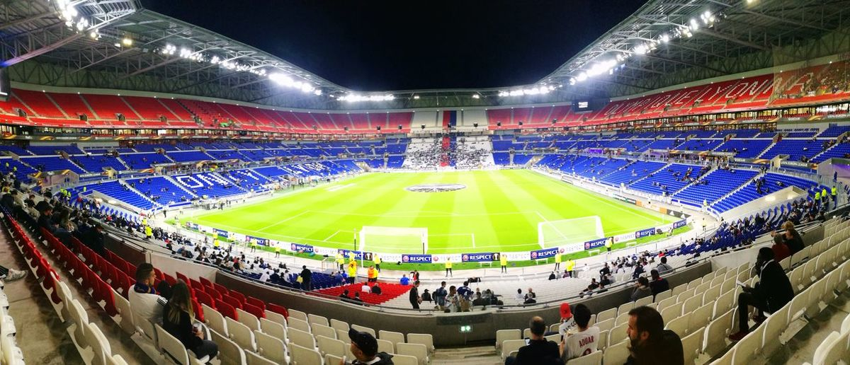 Grand Stade Lyon Groupama Stadium Huawei P9Stadium Ice Hockey Sport Fan - Enthusiast Sports Team Sports Venue Ice Rink Grass Audience People Indoors  Adult