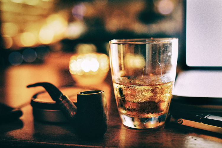 43 Golden Moments Hanging Out Check This Out Taking Photos Hello World Relaxing Enjoying Life Gentlemen Gourmet Whisky Whiskey Ice Whisky On The Rocks Nightlife Pipe Smoking Tobacco Vietn Relaxing Vintage Alcohol Golden Check This Out Hanging Out Cheese! Enjoying Life