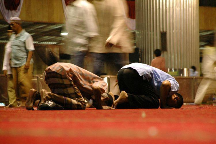pray Islam Muslims Muslim Pray Religion Ramadan Kareem Ramadan  Sholat Mosque