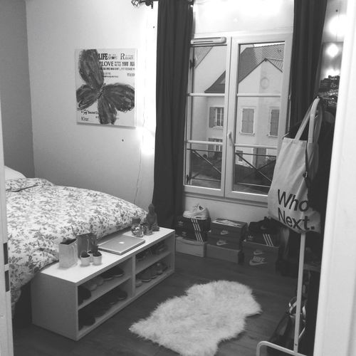 A place called home Bedroom Chambre