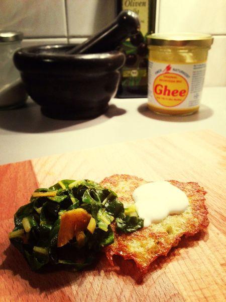 Zucchini - Kartoffelpuffer  mit Mangold bohnen & geröstetem Ingwer