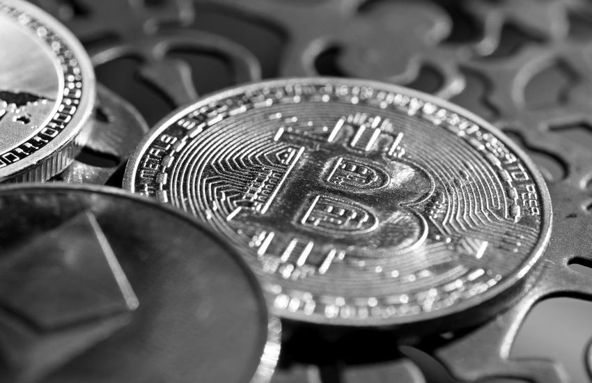 Bitcoin Blockchain Blockchain Technology Litecoin Cryptocurrency Alternative Investments Digital Finance Investments Making Money Saving Symbol Hacker Wealth Gold Gold Colored Metal Clock Face Close-up Money Extreme Close-up Coin Silver Colored Macro Currency
