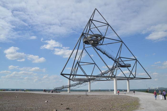Bottrop Day Halde Industriekultur Landmark Outdoors Ruhrgebiet Ruhrpott Sculpture Sky Steel Construction Travel Destinations Tetraeder