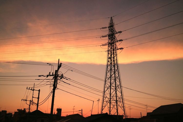 Highvoltage Tower Steel Tower  Wire Sunset Sunsets Sky Skyporn Cloud Cloudporn Evening Glow Silhouette Tokyo Japan