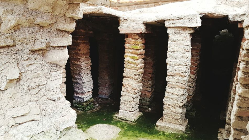 Roman bathtub Architecture Built Structure Wall - Building Feature Old In A Row Stone Wall Architectural Column Strength Outdoors Day History Concrete Stone Material No People Historic Weathered