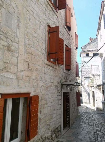 Croatia Summer ☀ Hello World Wall Textures Wall Window Windows Alley Alleyway White Wall