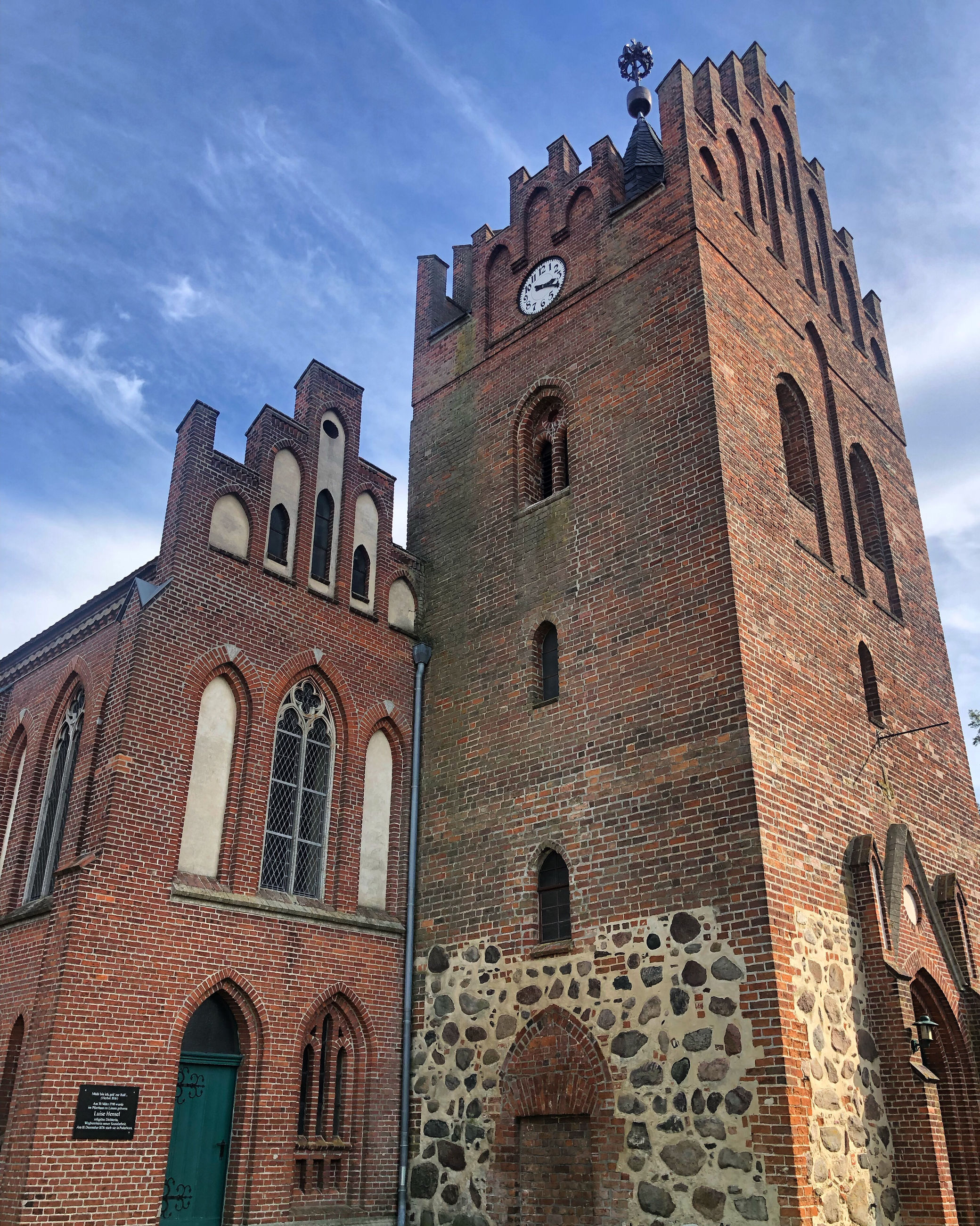 building exterior, architecture, built structure, sky, low angle view, building, history, tower, the past, nature, window, no people, place of worship, day, belief, religion, spirituality, cloud - sky, arch, outdoors, clock