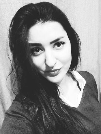 Relaxing Hi! That's Me Taking Photos Hello World Goodnight✌ Beauty Follow Me Blackandwhite