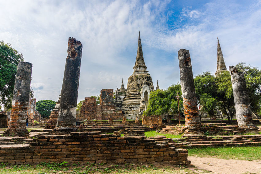 Architecture History Travel Destinations Spirituality Building Exterior Sky No People Day Outdoors ศาสนาพุทธ พระพุทธรูป วัด City โบสถ์เก่า โบราณ