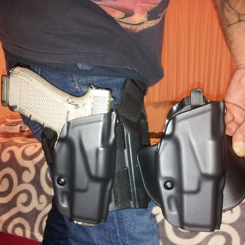 SICK.!! Got the drop leg rig and my paddle holster hooked up the same... SafarilandALSholster Suedelined with a RetentionSystem ... had to drill holes in my BlackhawkDropLegPlatform tk fit the new holster...came out Sweet.!! This holster has alittle thumb tab release on the inside instead of a finger release on the outside.... ILikeItAlot QuickDrawMcGraw JoseyWales gunslinger gunfighter TiedDownGuns DrawBitch ! love my rights MolonLabe Oorah! instagoodinstafame instagrammy HowWeRoll