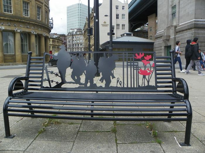 Bench Benches_Of_The_World_Unite City City Street Under A Bridge Ww1 Memorial