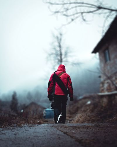 一個人的旅行 Warm Clothing Snow Full Length Cold Temperature Winter Snowflake Fog Snowing Red Leaving My Best Photo