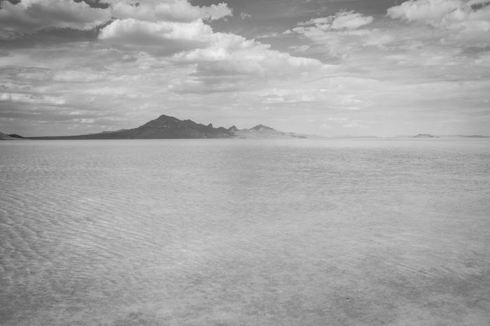 Atmospheric Mood Calm Distant Great Salt Lake Horizon Over Water Majestic Outdoors Power In Nature Scenics Seascape Shore Tranquility Water
