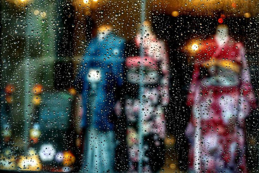 Rany Day Raindrops Rain Raindropshot Window Shopping Shop Wedding Dress Japanese Style Eyemphotography Looking At Camera