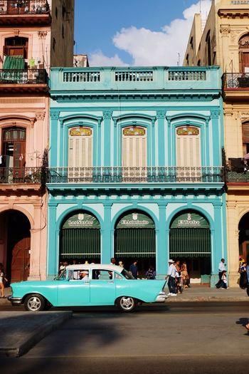 Street scene from Havana, Cuba Havanna, Cuba Cuba Classic Car Mode Of Transportation Transportation Building Exterior Architecture Built Structure Car Motor Vehicle City Day Street Sunlight Building