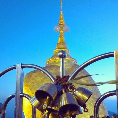 ဆည္းလည္းသံ Kyaikhteeyoe Pagoda Goldenrock Myanmar igersmyanmar throwbackthursday tbt