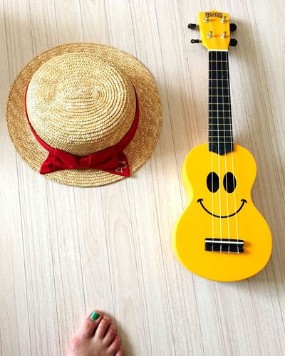 Ukulele Outfit Happy People Nomusicnolife ⁽⁽ ◟(灬 ˊωˋ 灬)◞ ⁾⁾