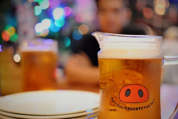Just getting started. Beer Dinner Drinks Bokeh Bokeh Lights Iced Chill Relax Hanging Out Drinking Glass Drinking Beer Drink Alcohol Drinking Glass Cold Temperature Table Cafe Bar - Drink Establishment Beer Glass Froth