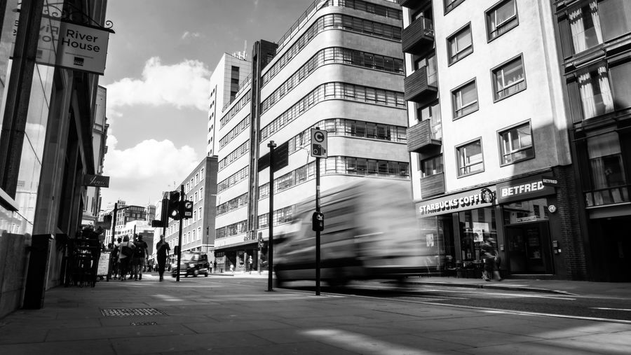 City City Life Cityscape EyeEm EyeEm Best Shots EyeEm Selects London Summertime Architecture Building Exterior City Eyeeem Gallery Fast Motion Fast Moving Fast Moving Cars Mode Of Transportation Outdoors Street Photography Summer Transportation