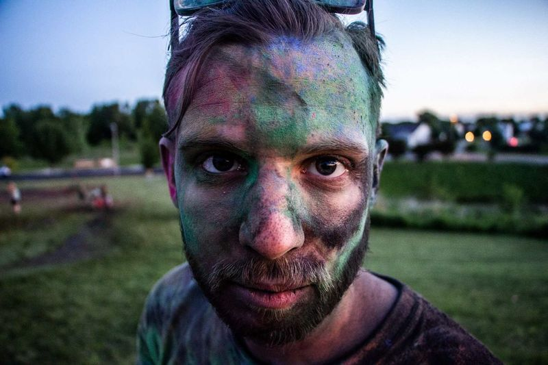 burst of color Portrait Looking At Camera Front View Men Close-up Blade Of Grass Messy Holi Powder Paint Face Paint Dirty Talcum Powder Indian Culture  Face Powder Traditional Festival Body Paint Unhygienic Blush - Make-up Make-up Brush Hinduism Stage Make-up Tailgate Party Festival Discarded Leftovers Jaipur Muddy Clown Thoughtful Garbage Dump The Portraitist - 2018 EyeEm Awards The Photojournalist - 2018 EyeEm Awards