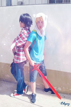 """Who says that a human and a vampire can't be friends? :B Adventure Time Cosplay - Facundo Pasq as """"Finn"""" and me as """"Marshall Lee"""" Adventure Time Finn Marshall Lee Cosplay"""