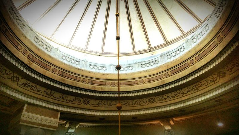 Architecture Built Structure Dome Indoors  Low Angle View History No People Travel Destinations Day Followme Like4like Hello World Building Exterior Outdoors Urban Skyline Travel City Islamic Architecture HTC_photography Relaxing Love Indoors  Men People Architecture