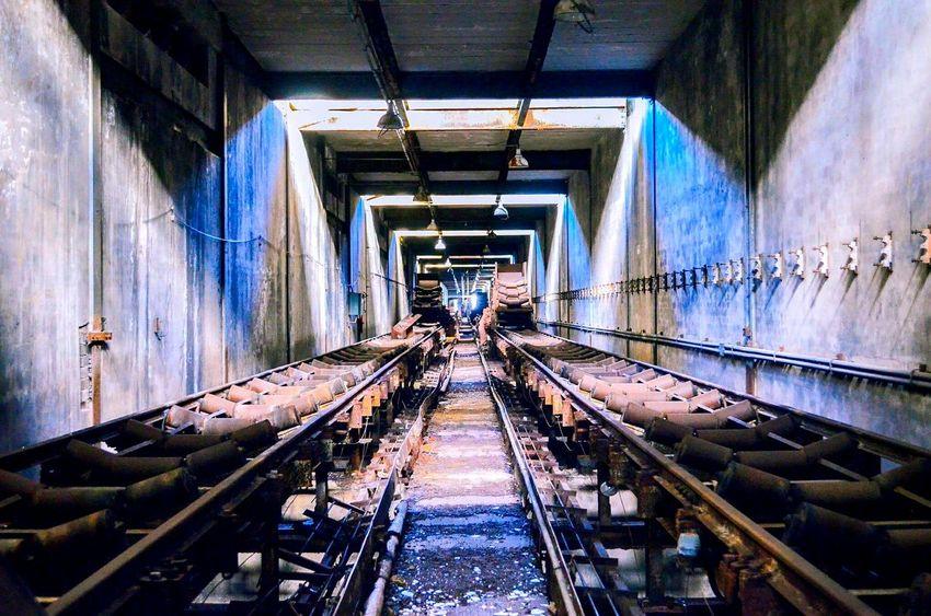 EyeEm Selects Personal Perspective Featureme Featuremeinstagood Bigshotz Agameoftones LeagueofLenses Artofvisuals Shotzdelight Nikonaustralia Featureuniverse Tunnel Architecture Urban Exploration Yngkillers