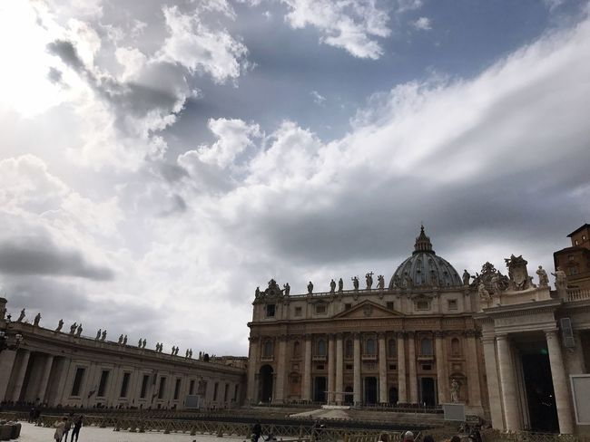 San Pedro | Sanpedro SanPedroCathedral Sanpeter Vaticano Vatican VaticanCity Vatican 🇻🇦 Architecture Built Structure Sky Cloud - Sky History Travel Destinations Day Outdoors Roma Italy❤️ Italia Italy