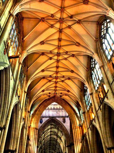 Learn & Shoot: Leading Lines York Minster  Church