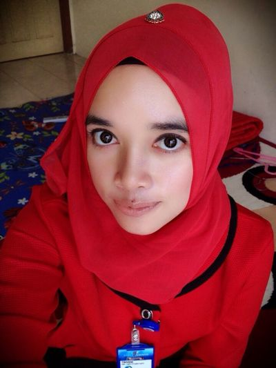 Uniqueness Taking Photos Hello World Hi! Cheese! Hijabfashion Journey Gadisbatipuh Natural Beauty Perempuanindonesia That's Me Im A Muslim