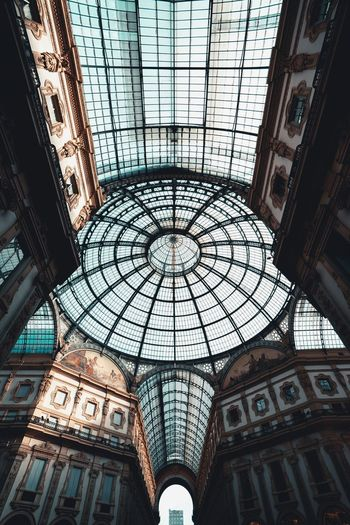 Architecture Built Structure Ceiling Pattern Indoors  Glass - Material Low Angle View Sunlight Circle Shape Window No People Geometric Shape Day Skylight Design Dome Building Travel Destinations Directly Below