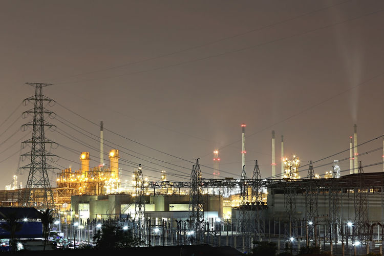 Oil refinery in the evening,photography on twilight style. Refinery Evening Light Evening View Factory Night View Factorywork Industrial Industrial Building  Industrial Photography Twilight Evening Evening Sky Factory Factory Building Industrial Area Industrial Equipment Industrial Landscapes Manufacture Manufacturer Oil Oil Pump Oil Refinery Photography Style Twilight Sky Twilightscapes