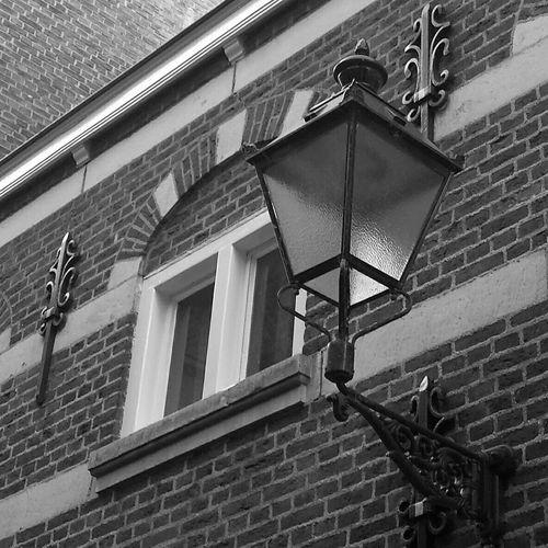 Lantern Streetlight Streetphotography Old Oldstyle Blackandwhite Black & White History Streetstyle EyeEmStreetshots