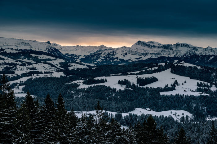 Wintermorgen über dem Emmental mit Stockhorn in der Distanz Beauty In Nature Cold Temperature Day Landscape Mountain Mountain Range Nature No People Outdoors Scenics Sky Snow Tranquil Scene Tranquility Winter