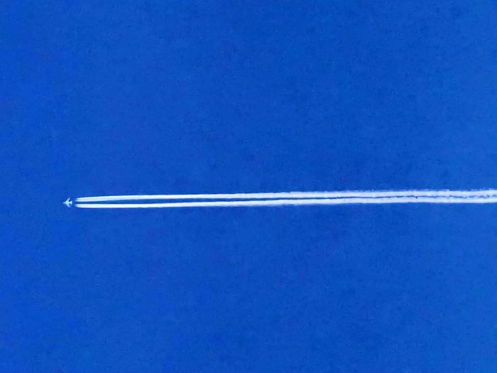 Airplane Jet Stream Vapourtrail Blue Sky High Flyer