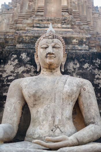 Sculpture Art And Craft Human Representation Statue Representation Spirituality Male Likeness Religion Belief Architecture Creativity Craft Travel Destinations Place Of Worship The Past History Built Structure Tourism No People Stone Material Ancient Civilization Outdoors Idol Ornate