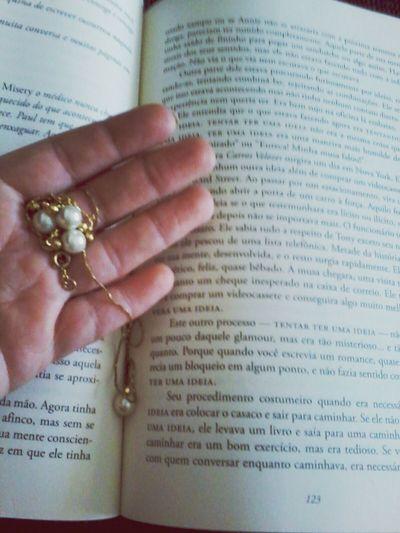 Saudadeseternas Maesaudades e dentro do livro jóias que foi da minha mãe♥