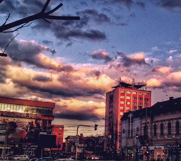 sky is falling down ___________________ Latergramcollection Skyisfalling Skyisfallingdown Acitymadebypeople Cityenthusiast Clujinsta Viataincluj Ig_cluj Ilovecluj Clujnapoca