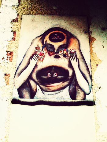 Deep in thought about food ? Streetart Berlin