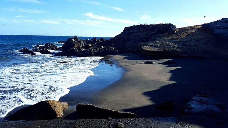Mi playa favorita. Cierro los ojos y vuelvo a estar allí. Tenerife Recuerdos Tenerifelicidad Megusta Momentos Abades Asisi EstoMola Bestfriends Tuyyo Loves_tenerife Estaes_tenerife Ig_Tenerife Ig_canaryislands Estaes_canarias Ig_canarias Beautiful Like Ig_canarias Estaes_playas Estaes_de_todo Loves_Beach Ok_canarias Exclusive_Sea Vgb_canarias VGB_Tenerife Be_One_SkyBeach SinFiltros NoFilter PhotoOfTheDay CanaryIslands