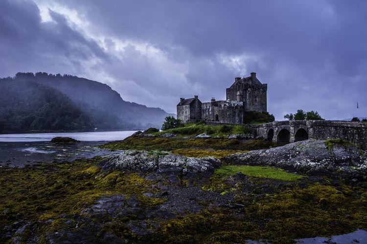 Eilean Donan Castle Castle Eilean Donan Morning Light Scotland Eilean Donan Castle Landscape Mist